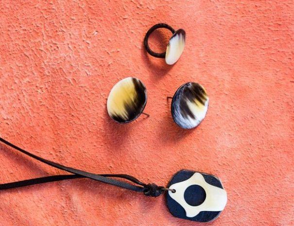 Moroccan-Workshop-Cow-Horn-Jewellery-Workshop-3