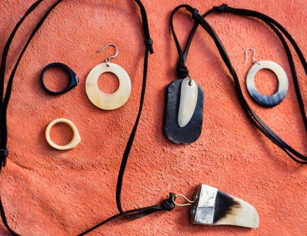 Moroccan-Workshop-Cow-Horn-Jewellery-Workshop-7-1